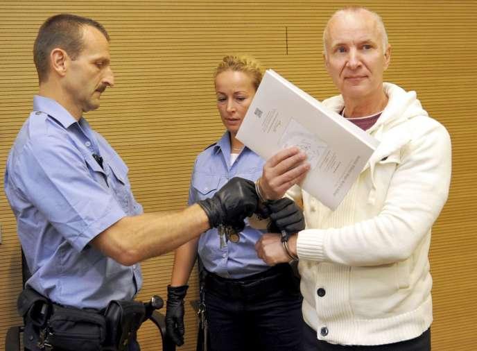 Detlev Güntzel à l'ouverture de son procès, vendredi 22 août à Dresde (Saxe).