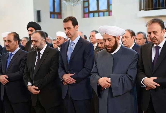 Bachar Al-Assad, le 28 juillet à Damas, lors d'une prière pour l'Aïd el-Fitr.
