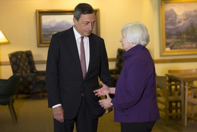 Mario Draghi, le président de la Banque centrale européenne, et Janet Yellen, présidente de la Réserve fédérale américaine, le 22 août, à Jackson Hole (Wyoming, Etats-Unis).
