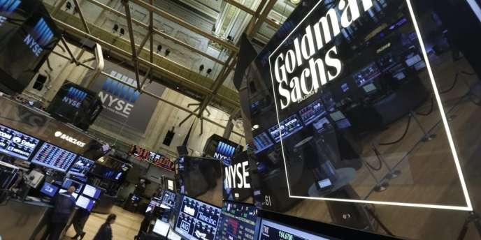 La banque d'affaires américaine souhaite solder des poursuites en rachetant ces produits financiers adossés à des crédits immobiliers à risque, qui avaient provoqué la crise de 2008.