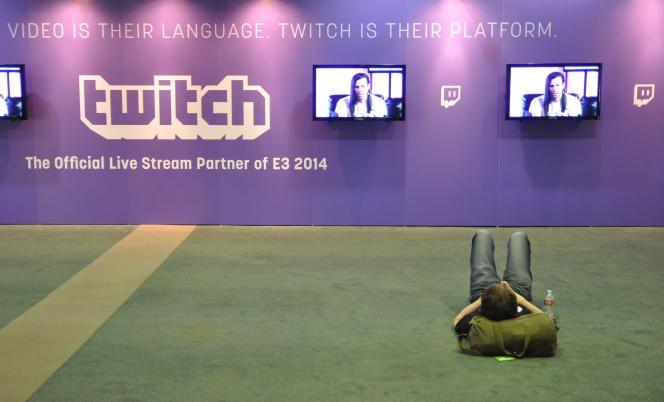 Au salon de jeu vidéo de Los Angeles, en juin 2014, un spectateur d'une émission diffusée sur Twitch.