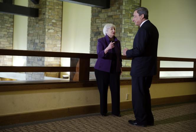 Janet Yellen, présidente de la Fed, et Mario Draghi, son homologue à la BCE, à Jackson Hole (Etats-Unis), le 22 août.