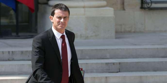 « Le texte de loi sur la croissance comportera à la fois des dispositions d'applications directes à la loi, comme à l'ordinaire, et à la fois des habilitations à agir par ordonnances, par exemple sur le repos dominical », a indiqué le cabinet de Manuel Valls.