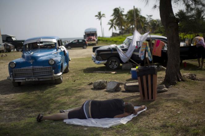 Sur le parking de la plage de Guanabo, le 17 août.