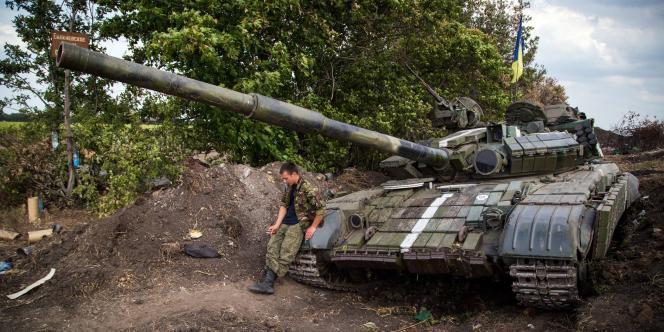 Un soldat ukrainien dans la région de Donetsk, dans l'est de l'Ukraine, le 25 août 2014.