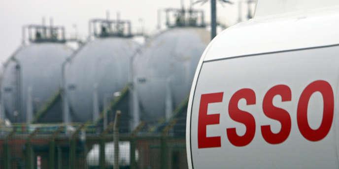 Jugeant le marché français des carburants beaucoup trop difficile, la filiale française d'ExxonMobil a annoncé la vente de ses 322 stations-service françaises.