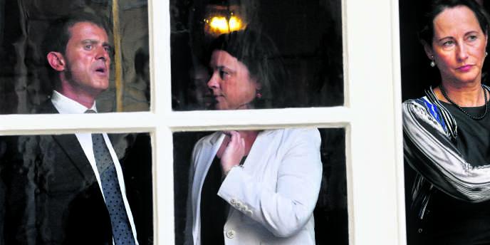 Plan de relance du logement, Manuel Valls , Sylvia Pinel (C) et Segolene Royal, à Matignon le 29 août.