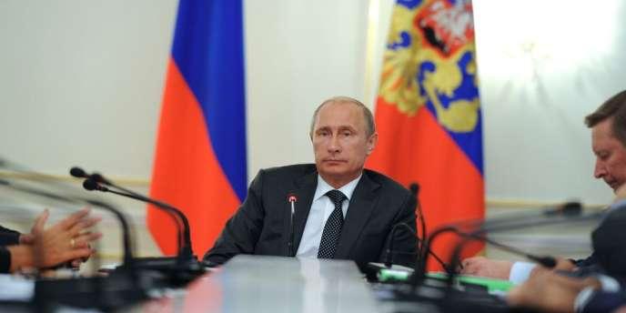 La Russie nie catégoriquement avoir envoyé des troupes en Ukraine et plaide pour un
