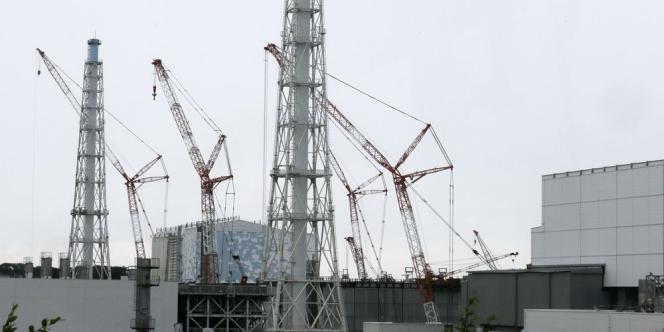 Des élus de la région de la centrale accidentée vont donner leur accord à la construction de lieux d'entreposage voués à être temporaires pour accueillir les détritus de la centrale accidentée.