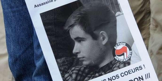 Manifestation, le 6 juin 2013 à Toulouse, en hommage à Clément Méric, tué dans une bagarre avec des skinheads d'extrême droite à Paris.