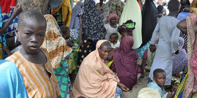 Des habitants ayant fui les exactions de Boko Haram sont réfugiés dans une école de Maiduguri, dans le nord du Nigeria, le 3 septembre 2014.