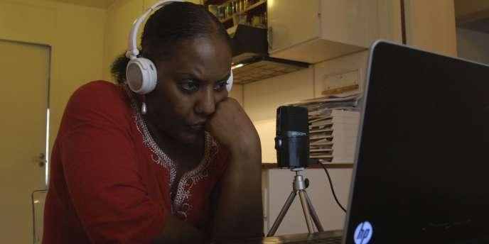 Meron Estefanos, à Stockholm, en août 2013. Elle anime depuis six ans une émission de radio très écoutée par la diaspora érythréenne.
