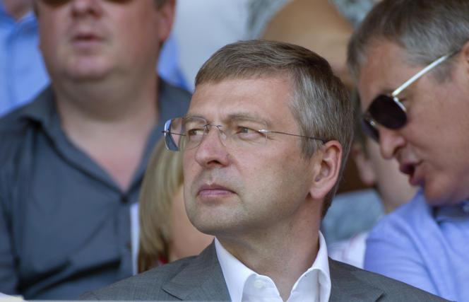 Dmitri Rybolovlev, propriétaire de l'AS Monaco, au stade Louis II, le 18 août 2013.