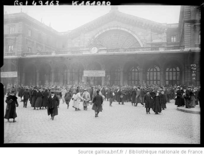 Départ de la classe 1918. Gare de l'Est.