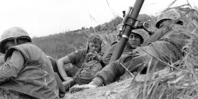 Photographie d'archive de soldats américains lors de la guerre du Vietnam, en 1967.