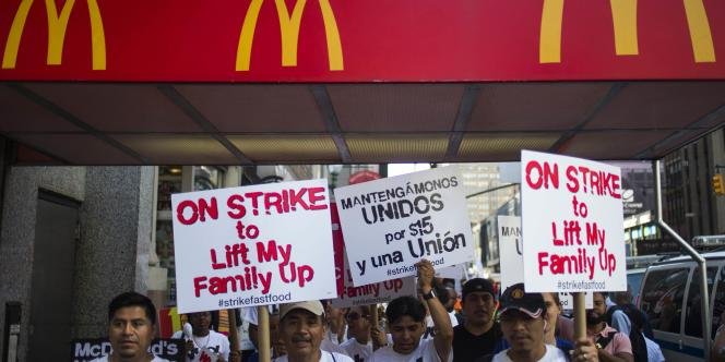 Des grèves et mobilisations d'employés de fast-food ont eu lieu jeudi dans plus de 150 villes des Etats-Unis.