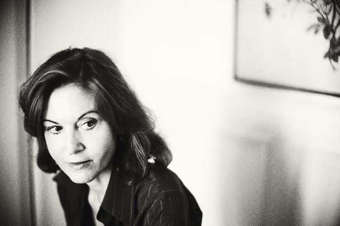 Anne Fontaine, photographiée chez elle, à Paris, le 13 août 2014.