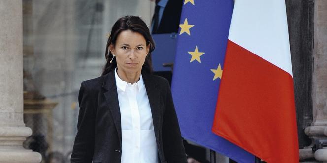 Aurélie Filippetti, ex-ministre de la culture, observe pour l'instant une réserve médiatique.