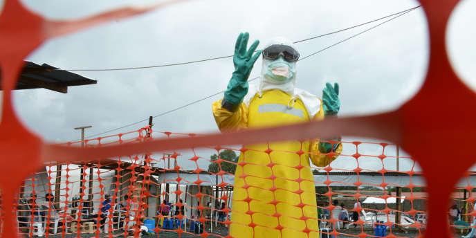 Dans la zone à risque de l'hôpital Elwa de Monrovia, le 7 septembre.