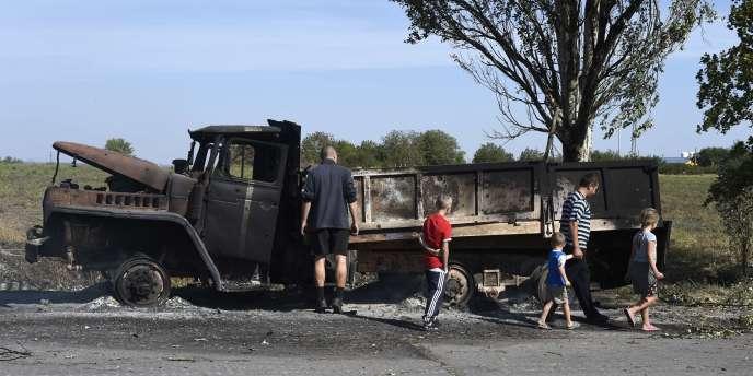 Un camion militaire ukrainien calciné à Marioupol le 7 septembre.