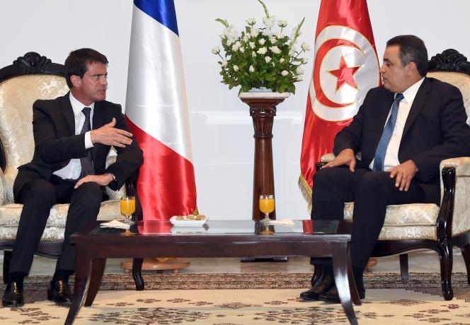 Le premier ministre, Manuel Valls, et son homologue tunisien Mehdi Jomaa, lors de la visite du chef de gouvernement français le 7 septembre; à Tunis.