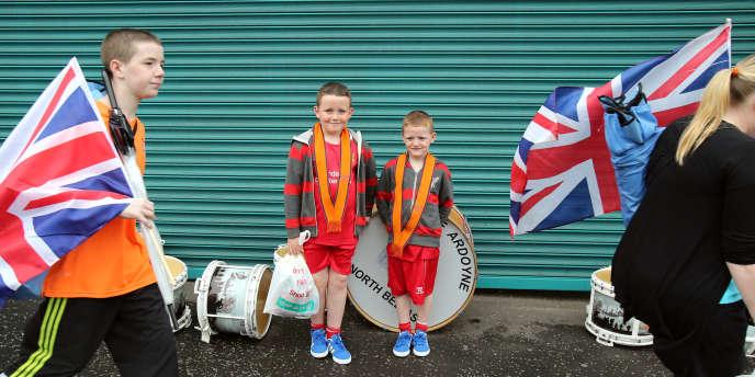 Des membres de l'Ordre d'Orange, le 12 juillet, à Belfast.