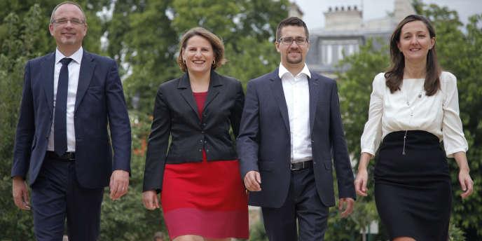 Karine Berger, Yann Galut, Valérie Rabault et Alexis Bachelay appellent à changer les institutions, sans pour autant prôner une VIe République.