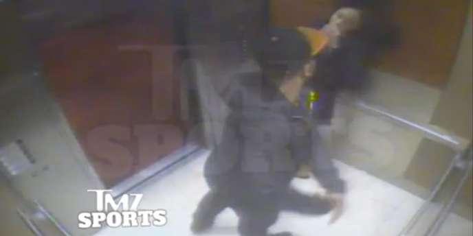 Une caméra de vidéosurveillance a surpris Ray Rice en train de frapper sa compagne.