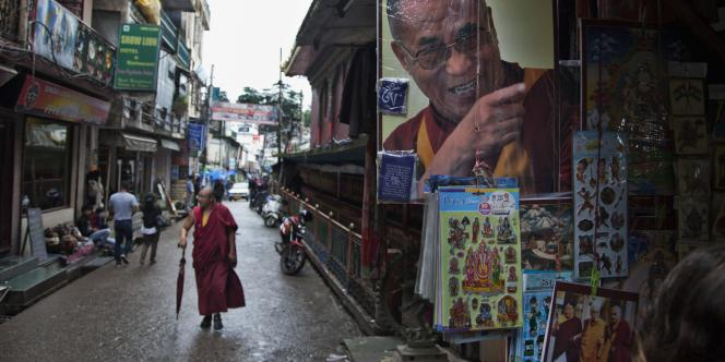 Un moine tibétain en exil à Dharamsala, en Inde, Le 4 septembre.