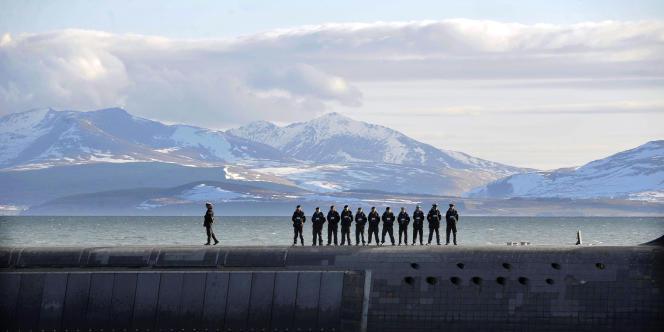 Des marins britanniques sur le sous-marin nucléaire «HMS Victorious», en avril 2013.