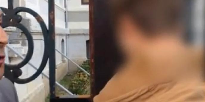 Capture d'écran d'une vidéo Youtube montrant Timothée, 15 ans, se voir refuser l'accès au collège dans lequel il est inscrit, le 3 septembre.