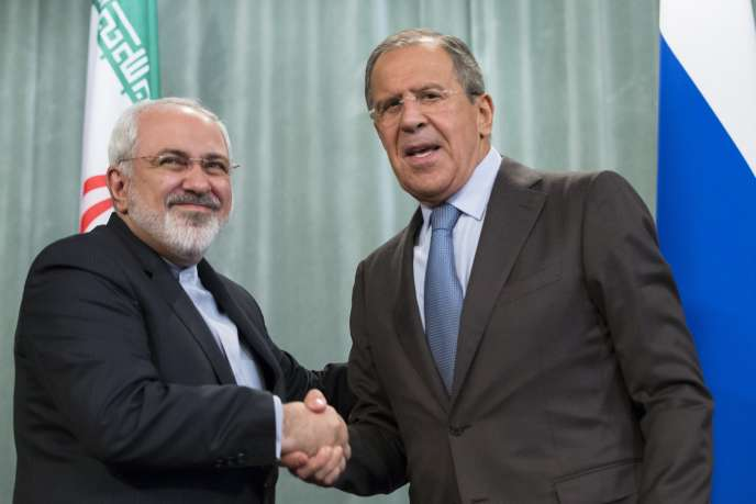 Le ministre iranien des affaires étrangères,  Mohammad Javad Zarif, et son homologue russe, Sergueï Lavrov, le 29 août à Moscou.