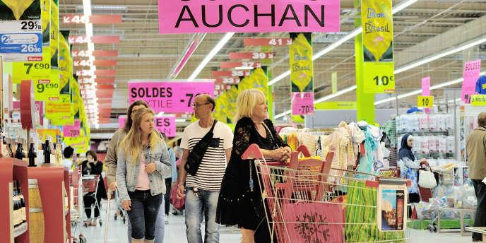 Dans le supermarché Auchan de Faches-Thumesnil (Nord), le 27 juin.