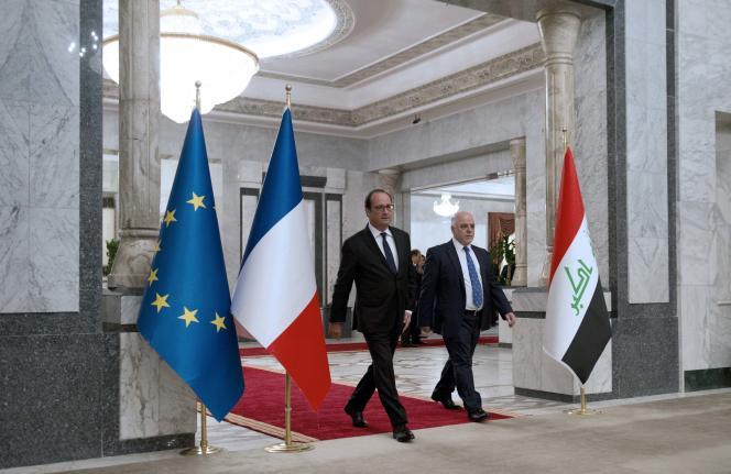 François Hollande en compagnie du premier ministre irakien, Haïdar Al-Abadi, le 12 septembre, à Bagdad.