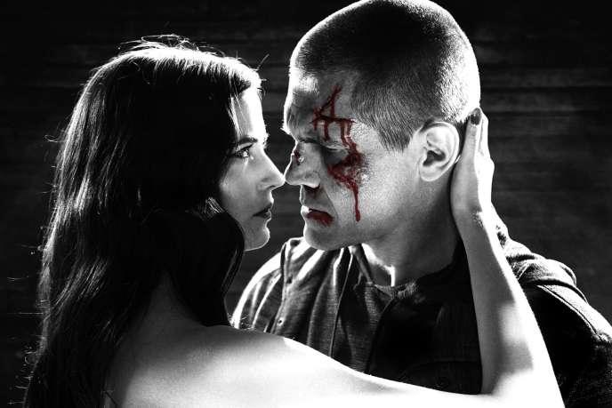 Eva Green et Josh Brolin dans le film américain de Frank Miller et Robert Rodriguez,