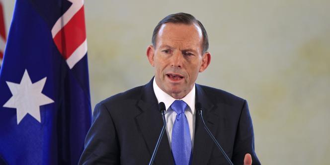 Le premier ministre Tony Abbott est soupçonné d'avoir fait obtenir une bourse de 40 000 euros à sa fille dans des conditions peu claires.