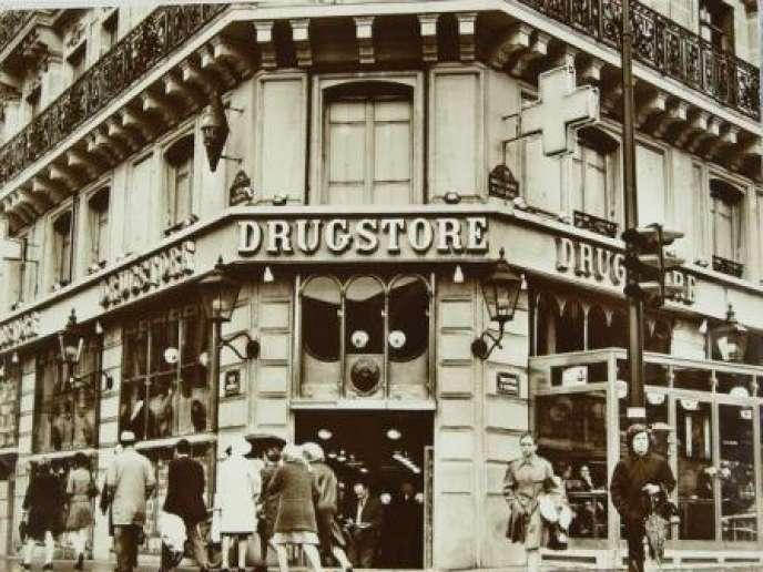 Le drugstore St-Germain, à Paris, dans les années 1970