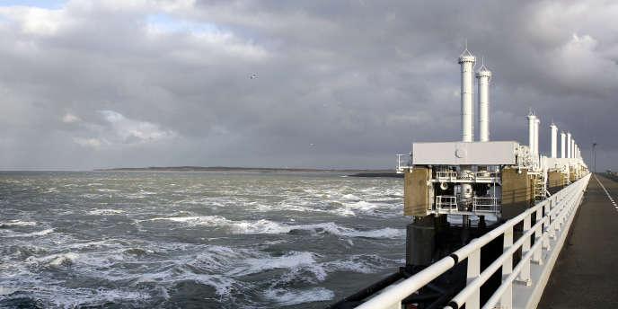 L'Oosterscheldekering, dispositif anti-tempête, ici en décembre 2013.