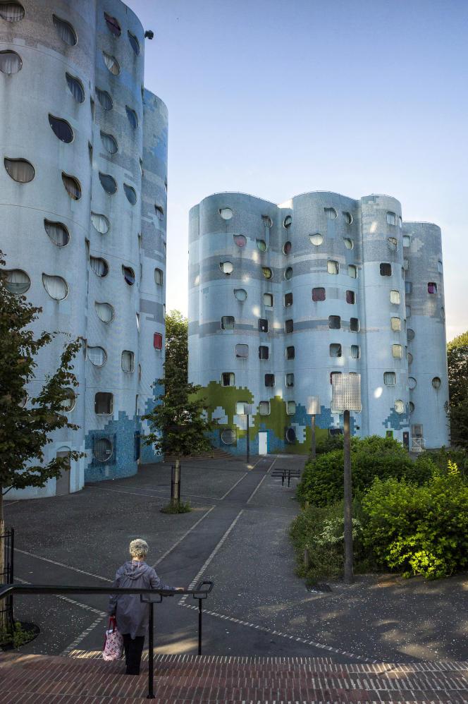 La cité HLM Pablo-Picasso de Nanterre (Hauts-de-Seine), en juillet 2012.