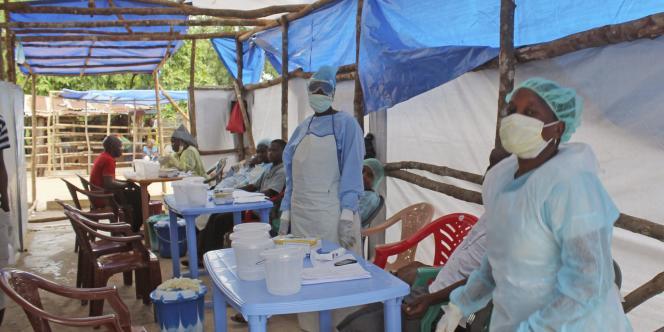 Un centre de soins contre la fièvre Ebola en Sierra Leone, en juillet 2014.