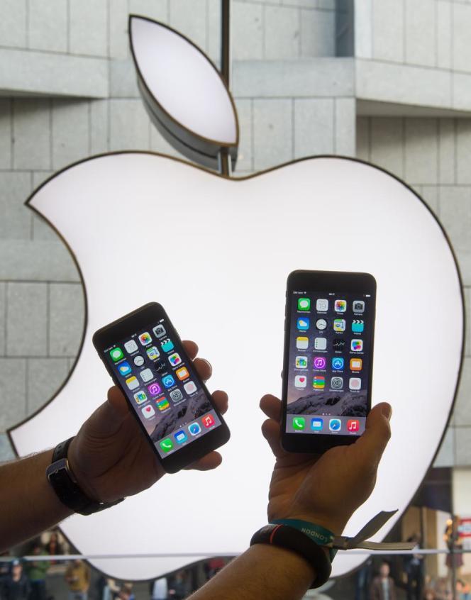 Le nouvel iPhone 6 à l'Apple store de Munich.