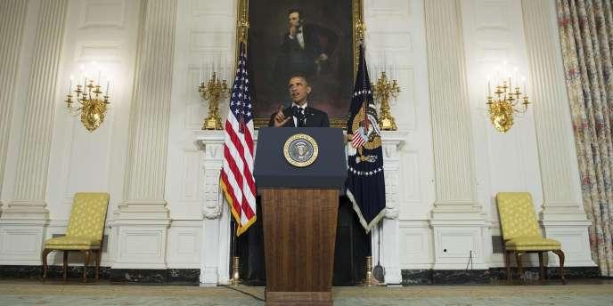 Barack Obama a salué l'engagement de la France à mener des frappes aériennes en Irak.