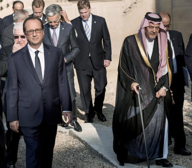 Les participants à la conférence internationale sur l'Irak, le 15 septembre, à Paris.