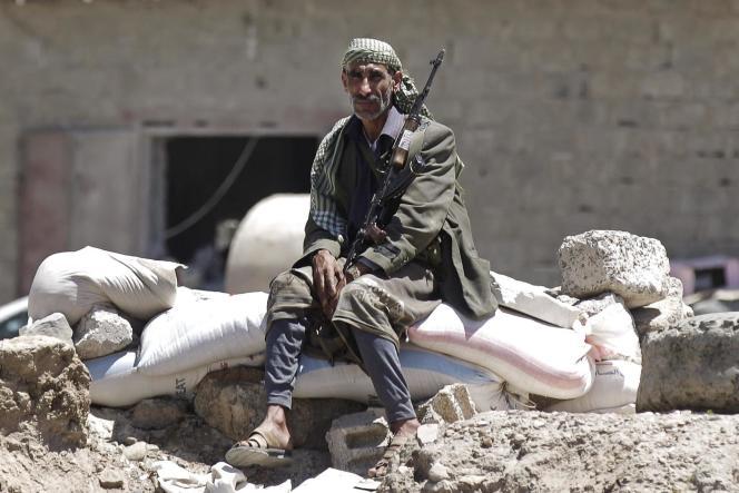 Un soldat Houthi à Sanaa, le 21 septembre.