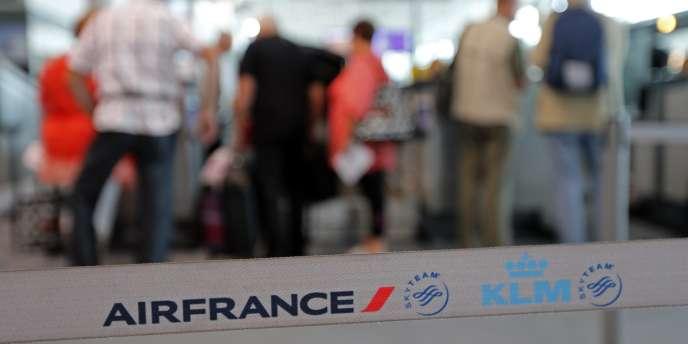 Lundi 22 septembre, les pilotes d'Air France commencent leur deuxième semaine de grève.  Ils ont voté à 80 % la reconduction du mouvement jusqu'au 26 septembre.