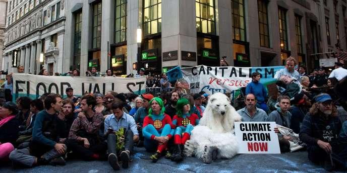 L'Alliance pour la justice climatique avait appelé à une action de désobéissance civile lundi avec pour mot d'ordre « Flood Wall-street ».