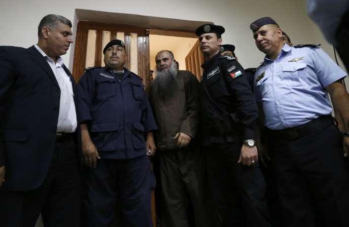 Abou Qatada, de son vrai nom Omar Mahmoud Othmane, était jugé pour terrorisme depuis son extradition de Grande-Bretagne en juillet 2013.