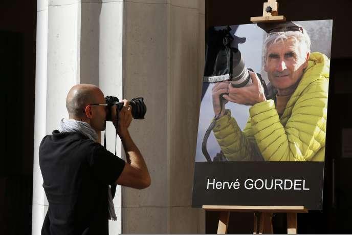 Dans le hall de la mairie de Nice, jeudi 25 septembre.