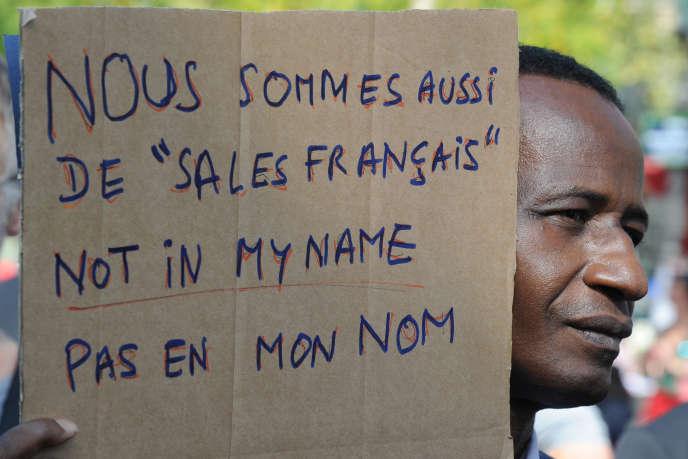 Lors de la manifestation place de la République, à Paris, le 21 septembre.