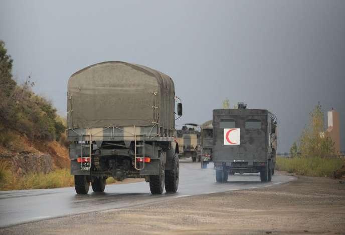 Des camions militaires algériens, le 23 septembre près de Tizi Ouzou.